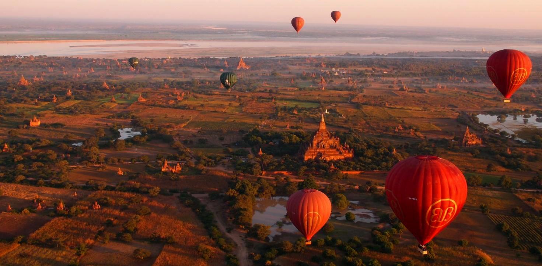 Hot Air Balloons over Bagan, Burma. Photo by Paul Arps (via Flickr Creative Commons).